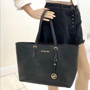 Michael Kors NEW beautiful signature MK bag